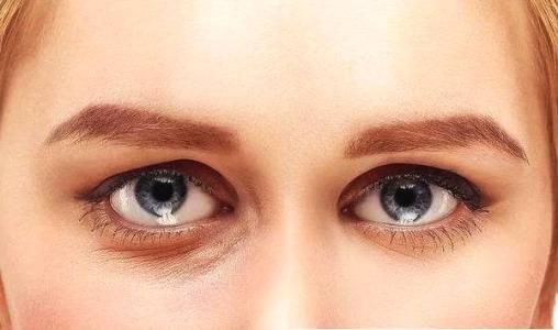 美丽的眼睛全靠超声波去眼袋